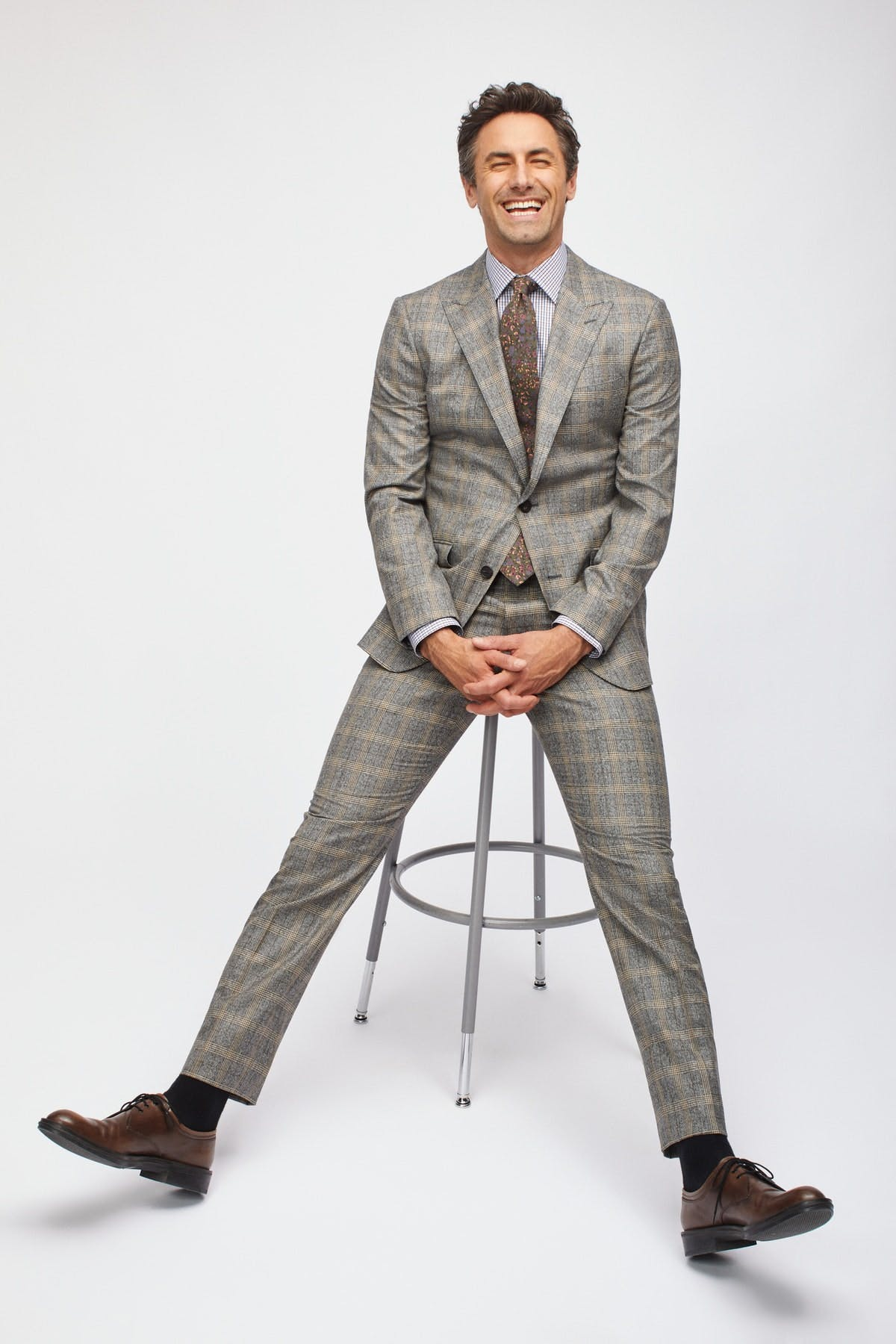 image of a man wearing a Bonobos suit